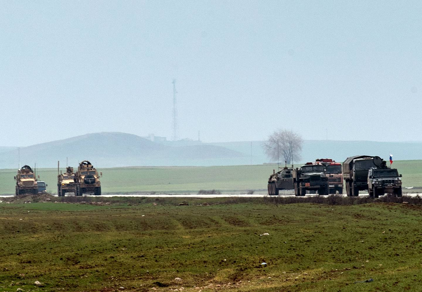 US military convoy, Russian military convoy, Syria