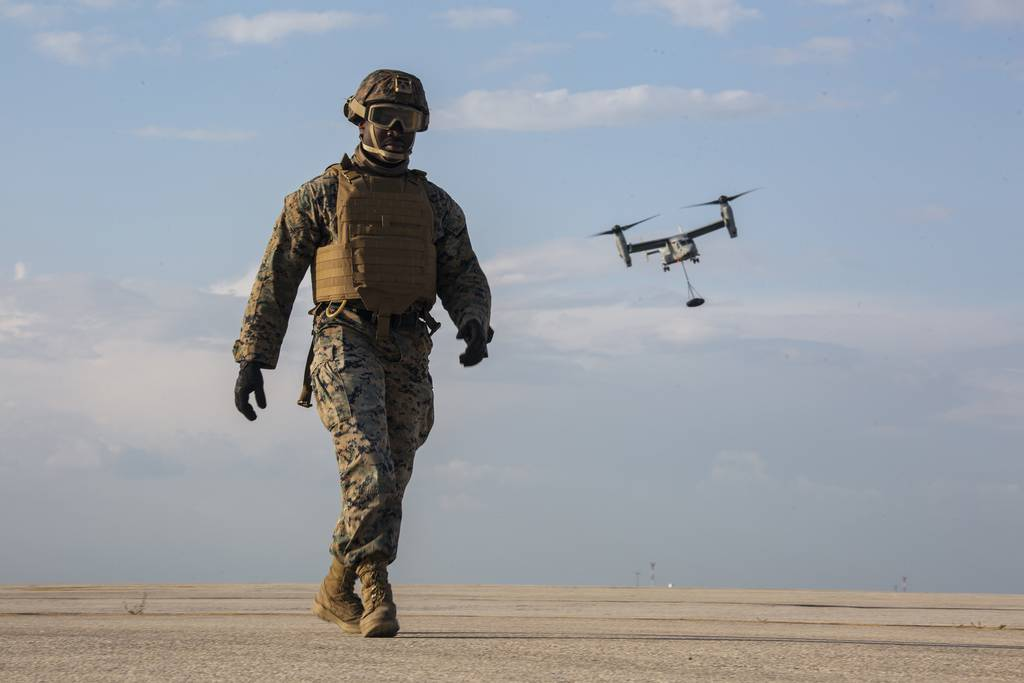 SPMAGTF-CR-AF 20.1 Conducts HST Training