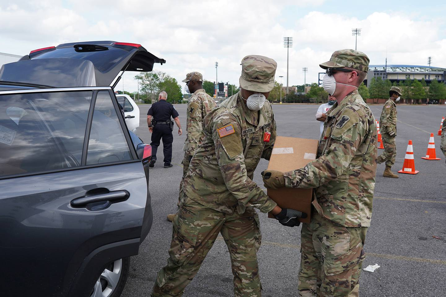 La. National Guard assist with food distribution